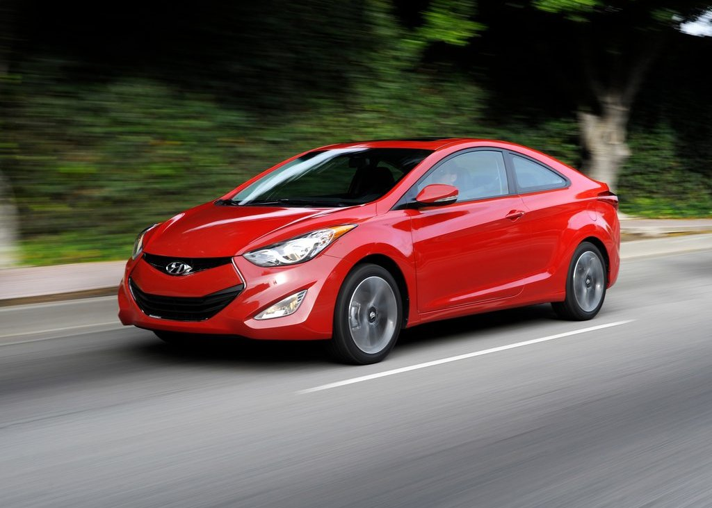 Featured Image of 2013 Hyundai Elantra Coupe Review