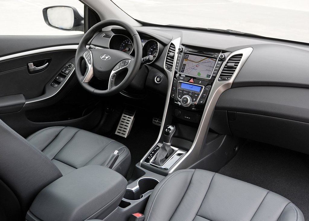 2013 Hyundai Elantra GT Interior (Photo 9 of 18)