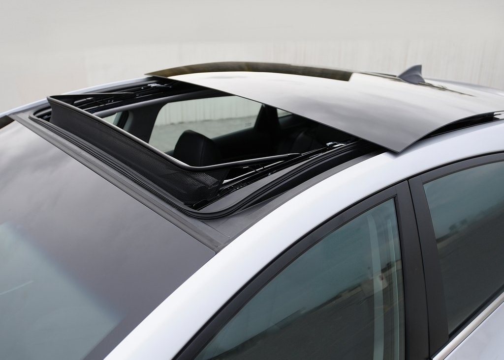 2013 Hyundai Elantra GT Sun Roof (Photo 15 of 18)