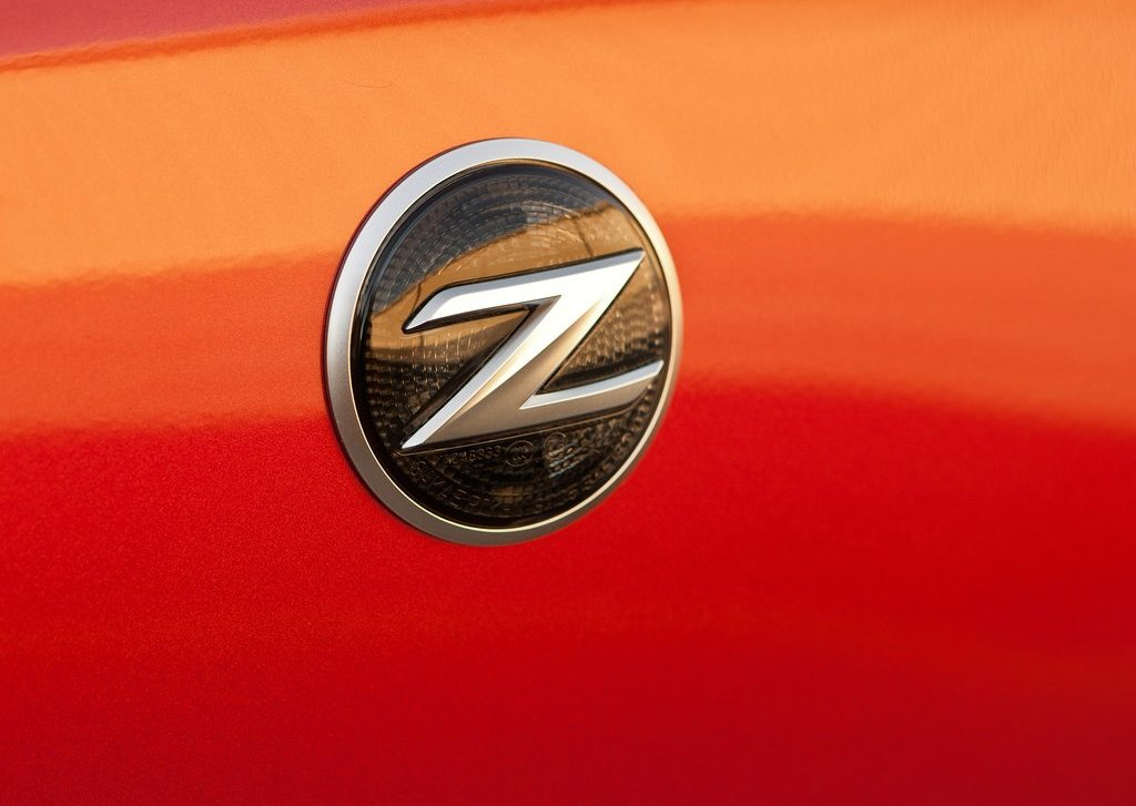 2013 Nissan 370Z Emblem (View 1 of 17)