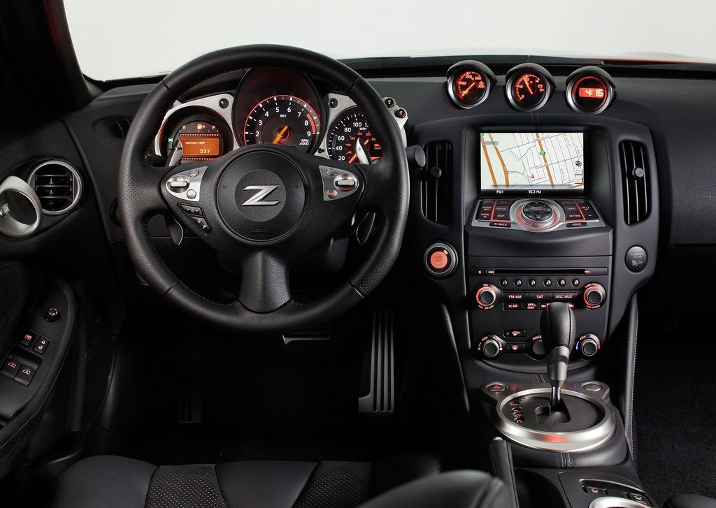 2013 Nissan 370Z Interior (View 12 of 17)