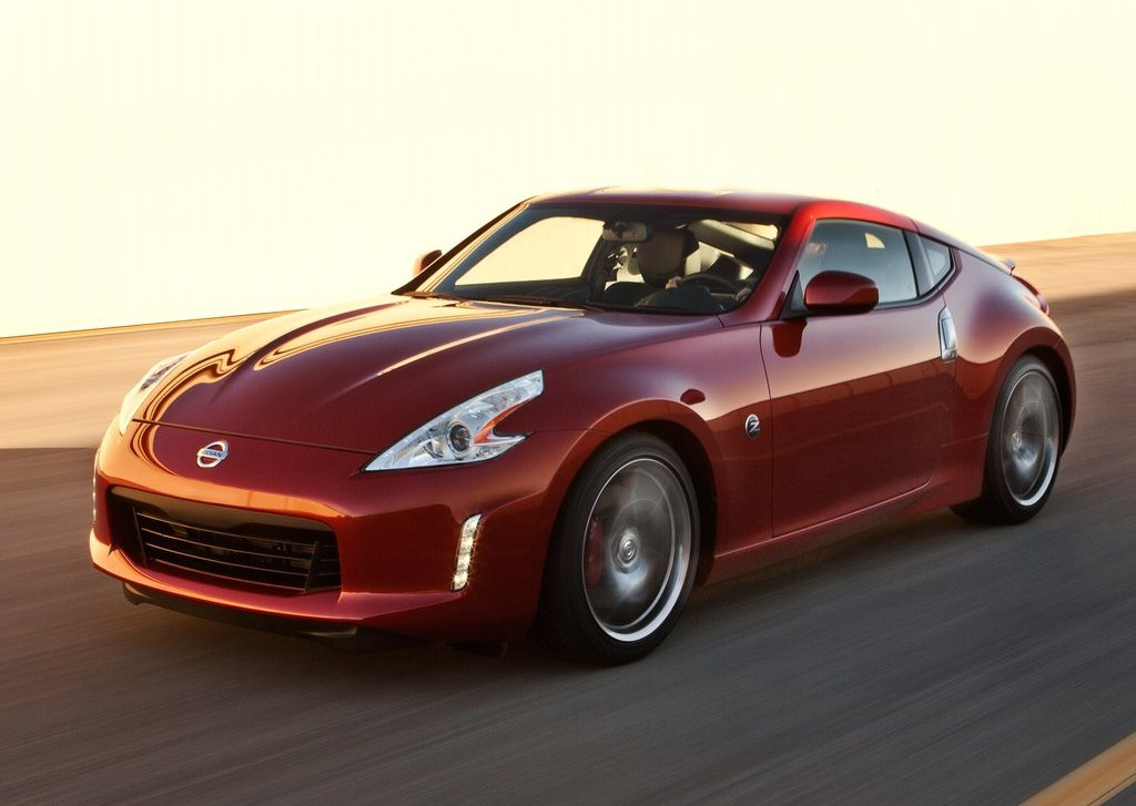 Featured Image of 2013 Nissan 370Z Review