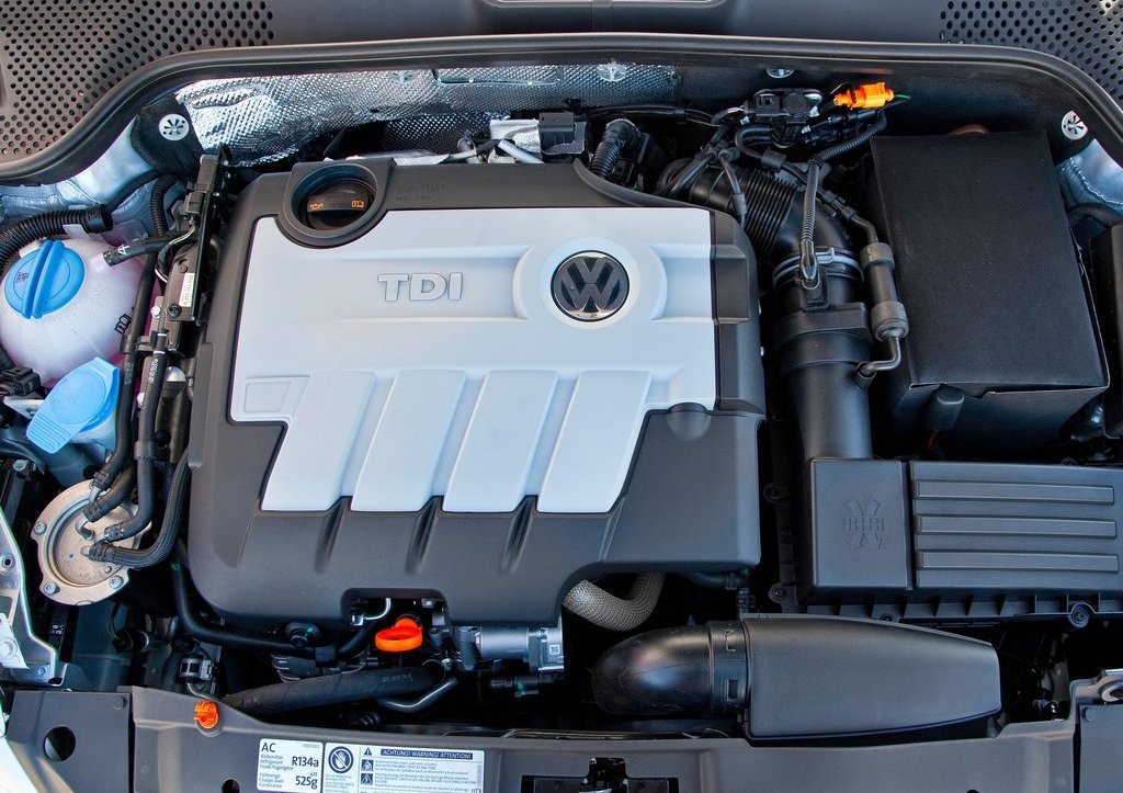 2013 Volkswagen Beetle TDI Engine (Photo 3 of 6)