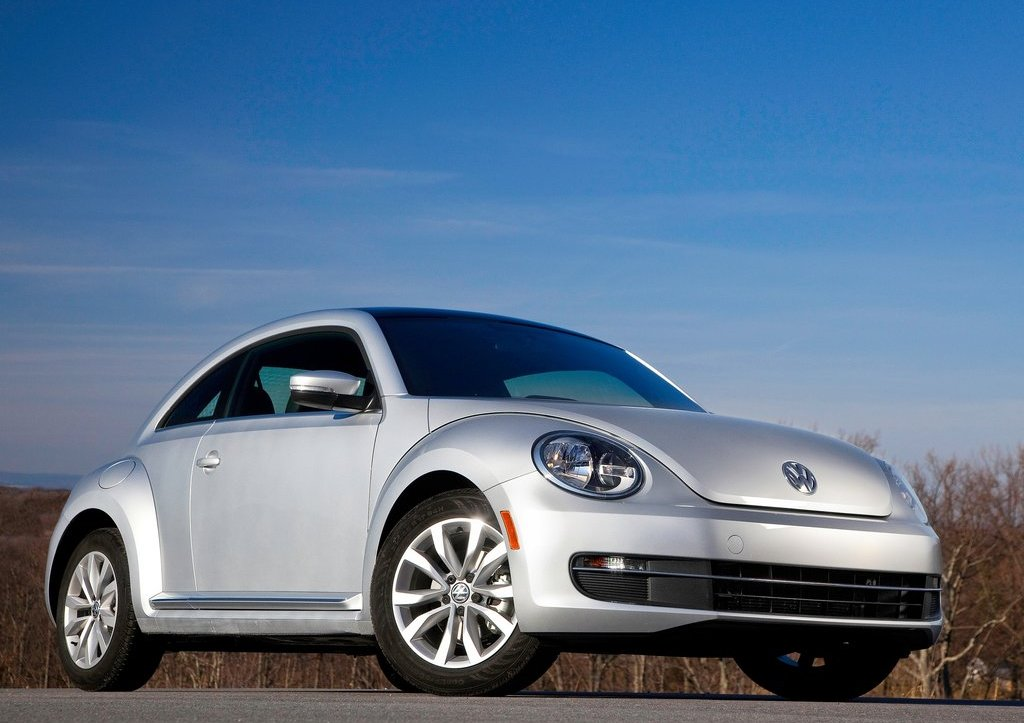 2013 Volkswagen Beetle TDI Front (Photo 4 of 6)