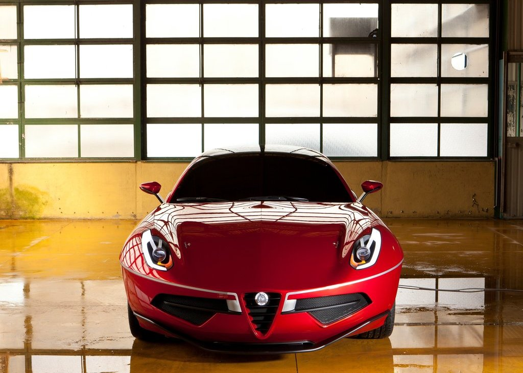 2012 Alfa Romeo Disco Volante Touring Concept Front (Photo 7 of 11)