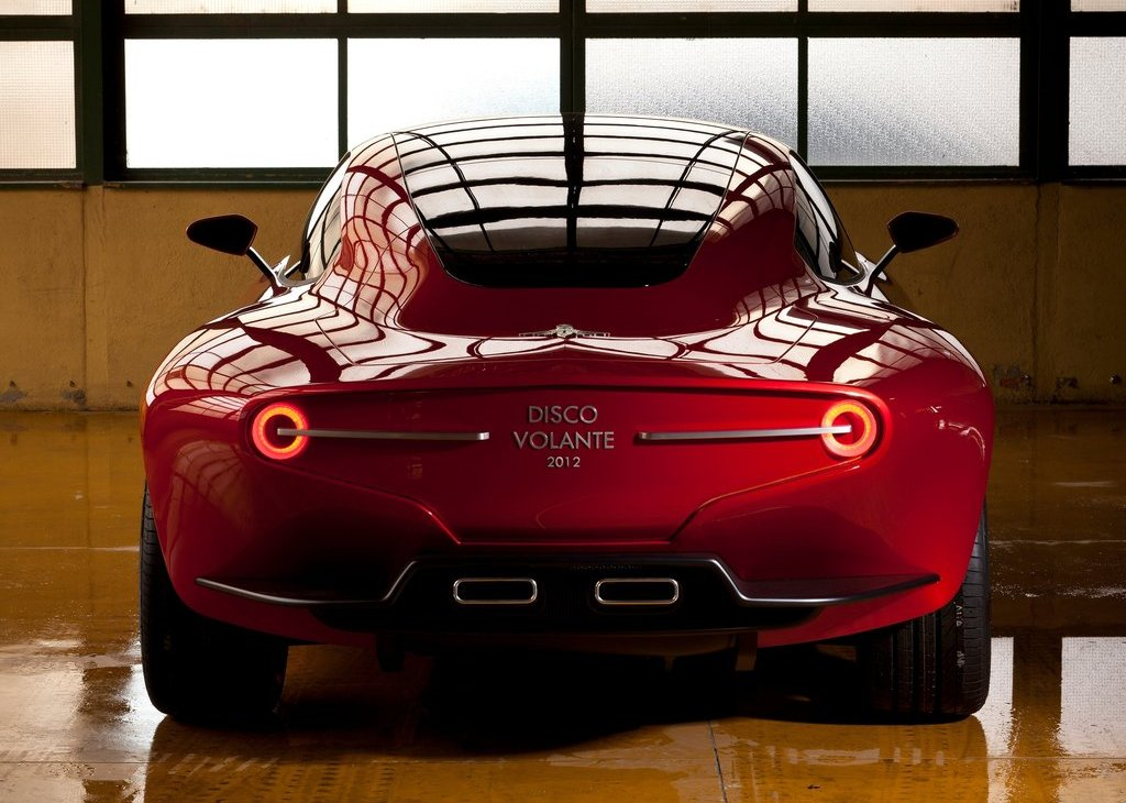 2012 Alfa Romeo Disco Volante Touring Concept Rear (Photo 10 of 11)