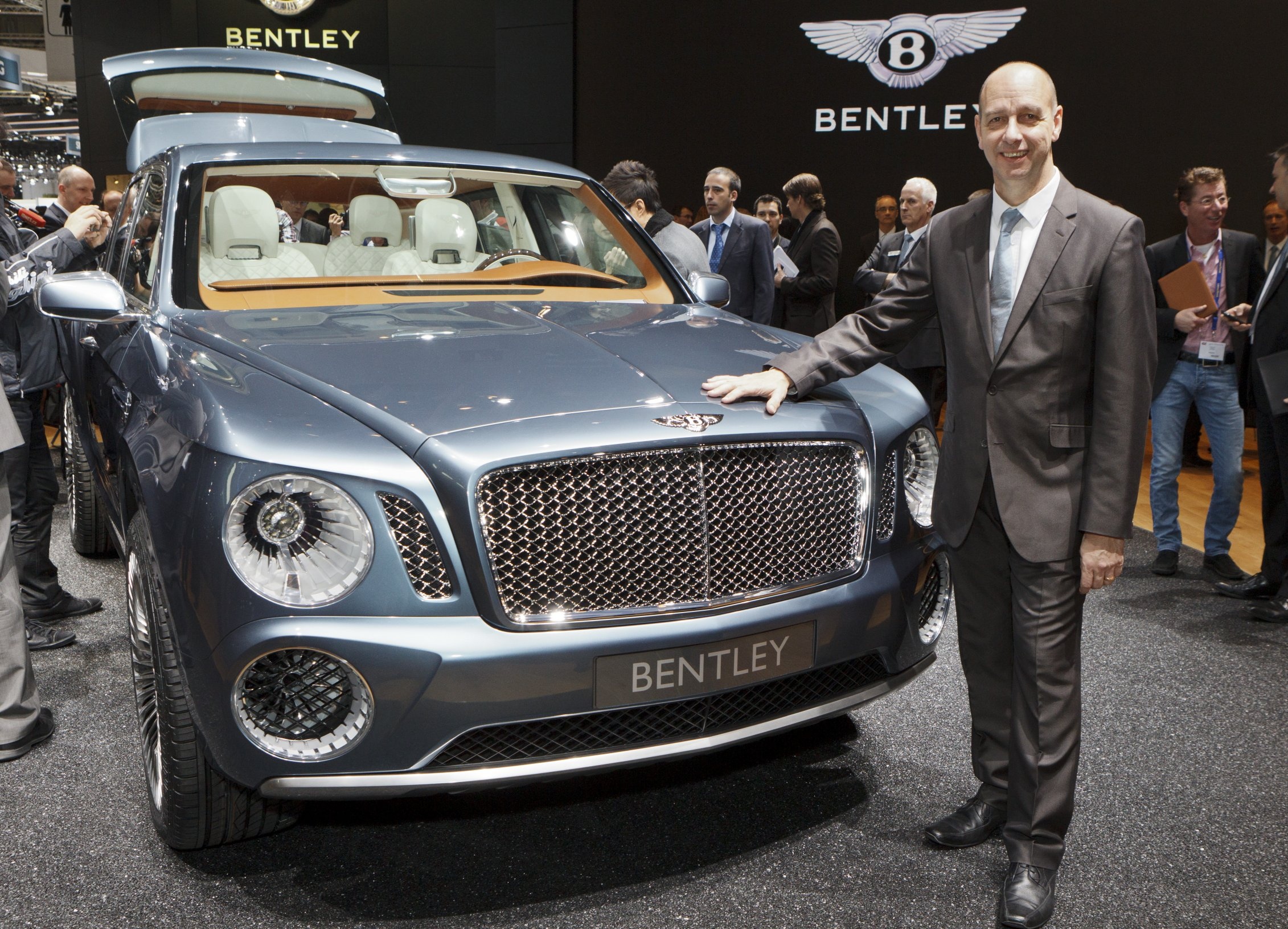 2012 Bentley EXP 9 F SUV Show (Photo 9 of 10)