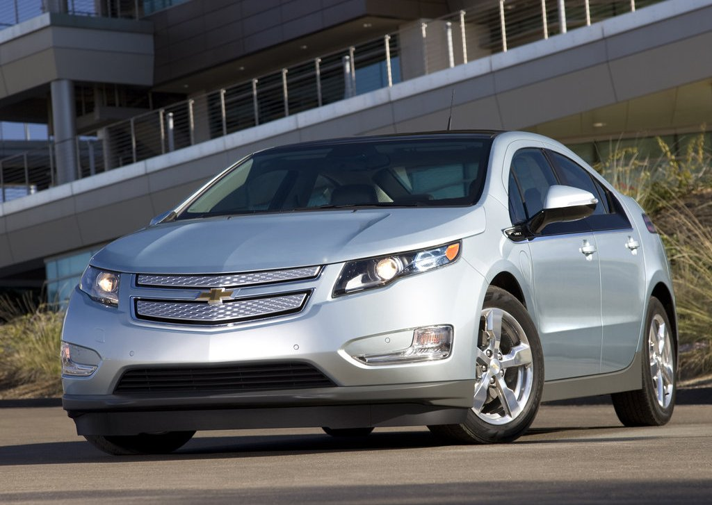 2012 Chevrolet Volt (Photo 1 of 31)