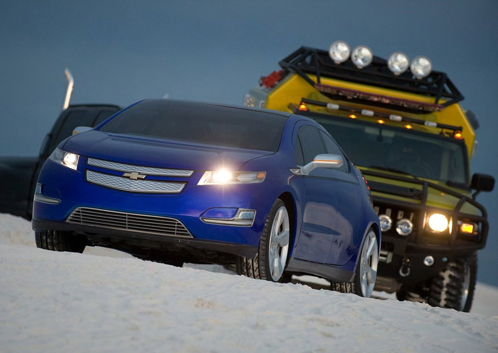 2012 Chevrolet Volt (Photo 3 of 31)