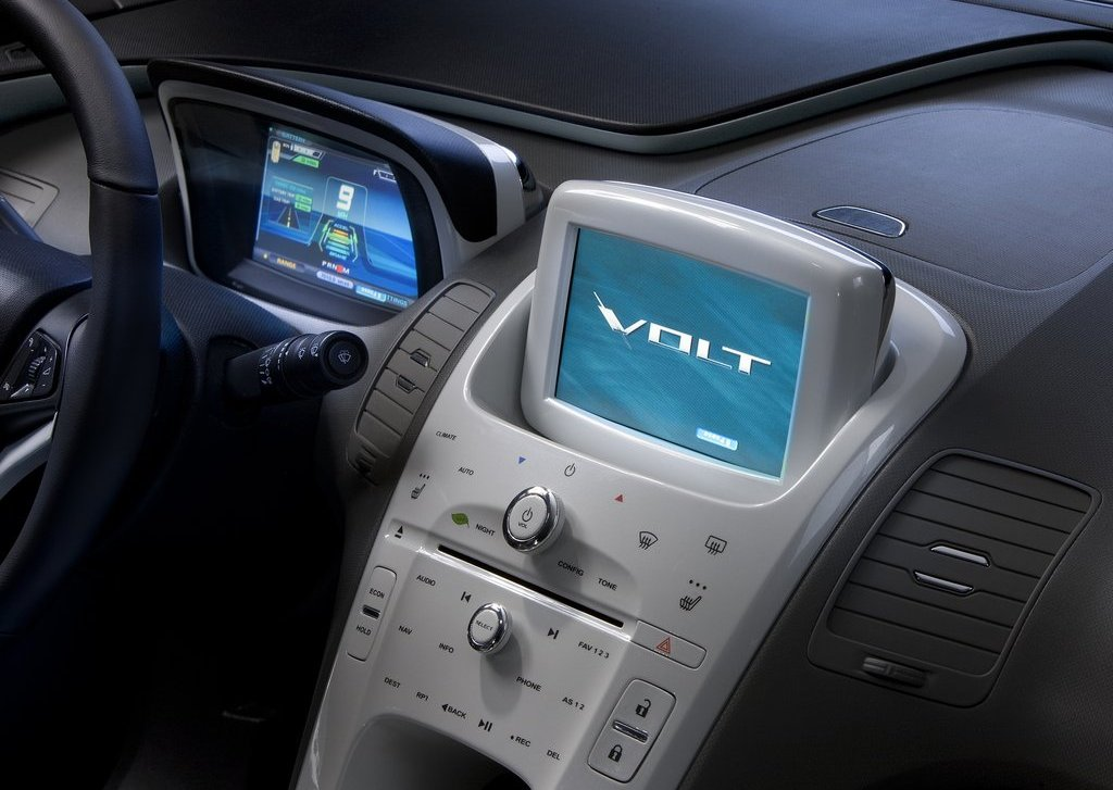 2012 Chevrolet Volt Dashboard (Photo 9 of 31)