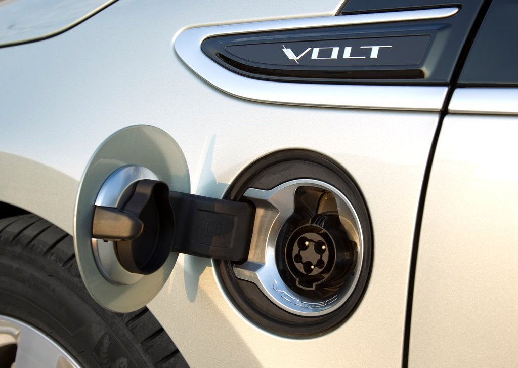 2012 Chevrolet Volt Exterior (Photo 12 of 31)