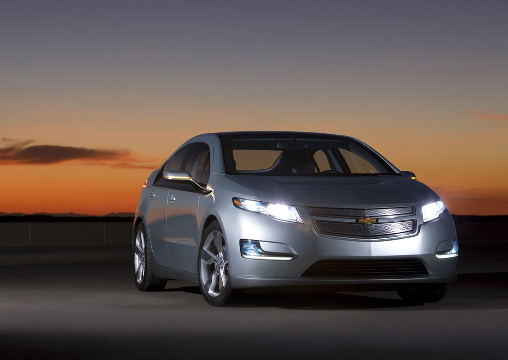 2012 Chevrolet Volt Front (Photo 15 of 31)