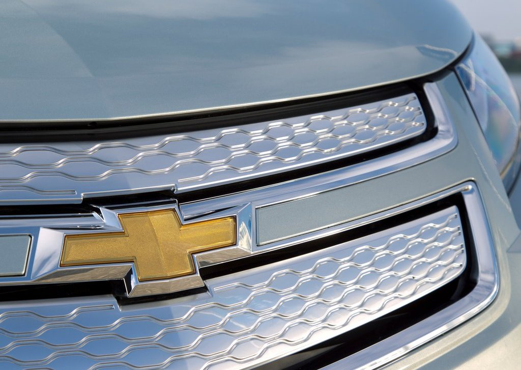 2012 Chevrolet Volt Grill (Photo 15 of 31)