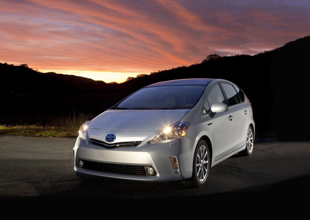 2012 Toyota Prius V (View 1 of 25)