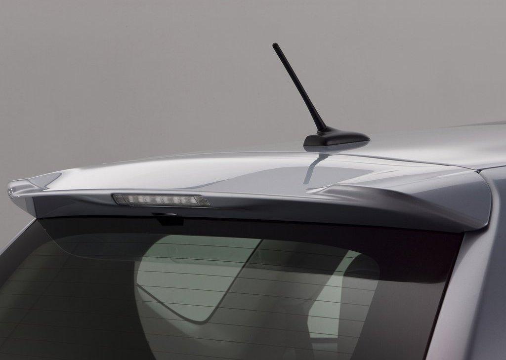 2012 Toyota Prius V Exterior (View 3 of 25)