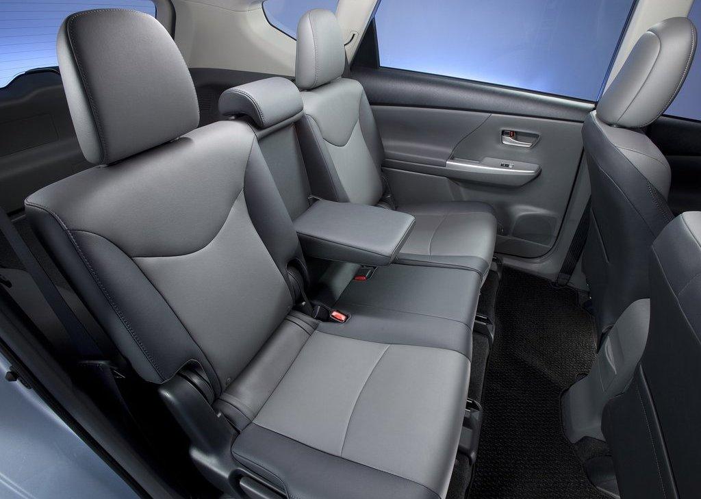 2012 Toyota Prius V Seat (Photo 22 of 25)