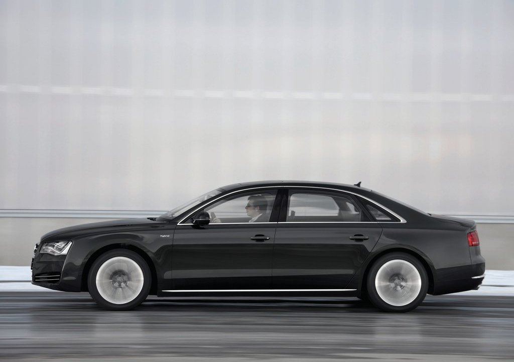 2013 Audi A8 L Hybrid Left Side (Photo 4 of 8)