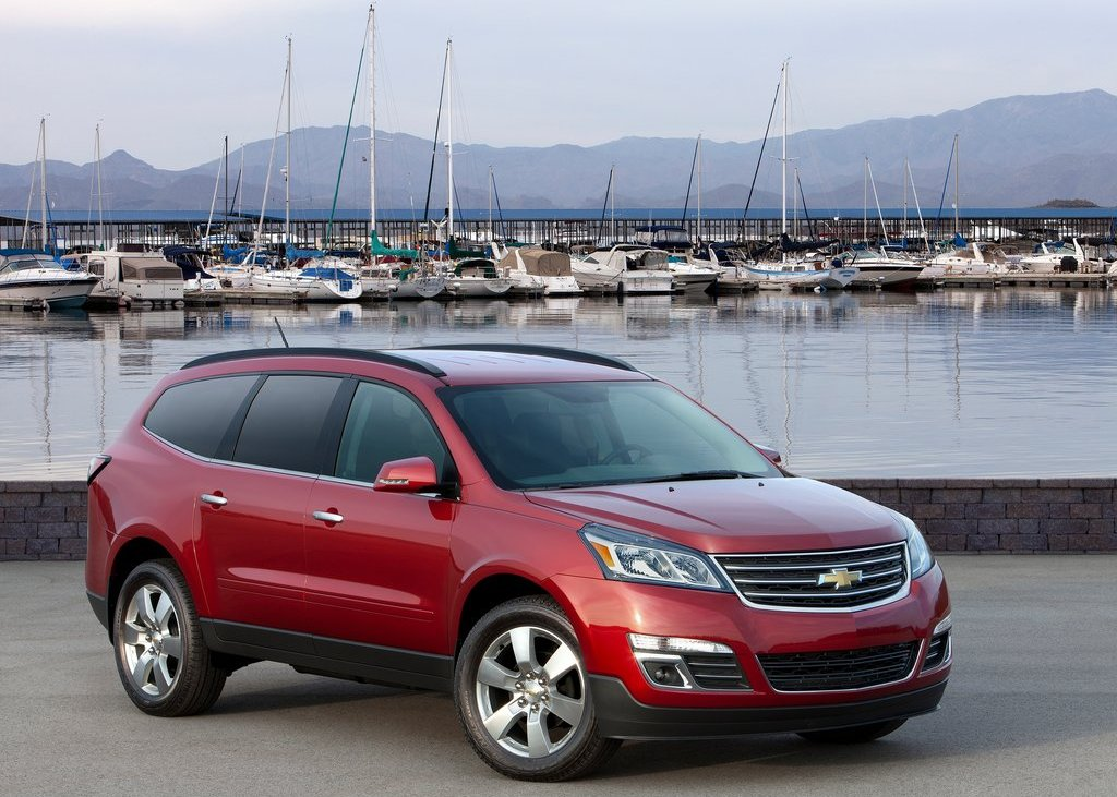 2013 Chevrolet Traverse Front (Photo 4 of 10)