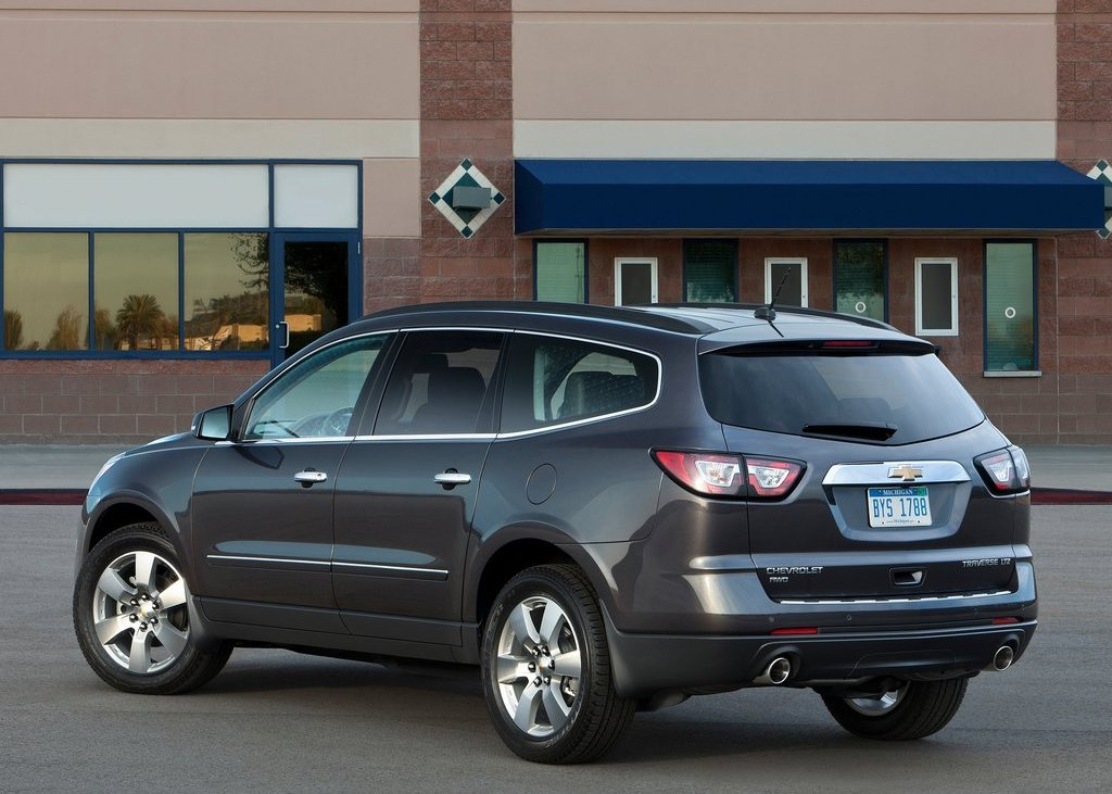 2013 Chevrolet Traverse Rear (Photo 7 of 10)