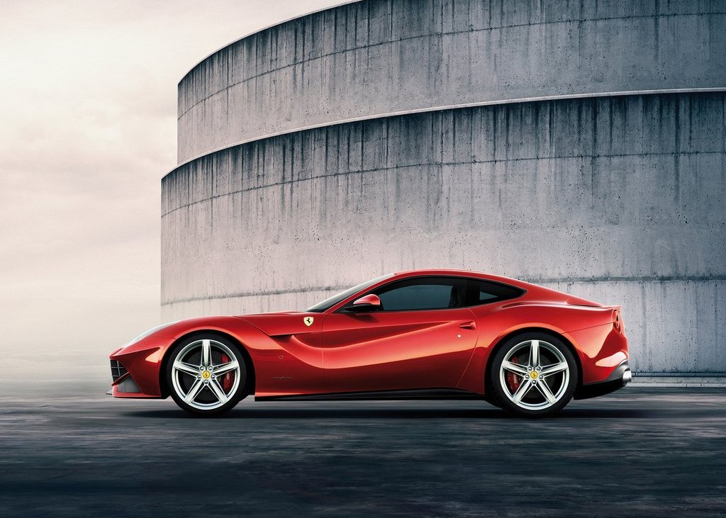 2013 Ferrari F12berlinetta Side (Photo 7 of 7)