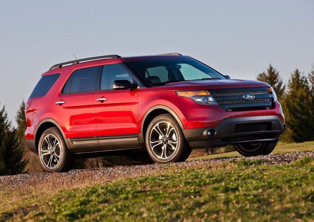 2013 Ford Explorer Sport (Photo 1 of 23)