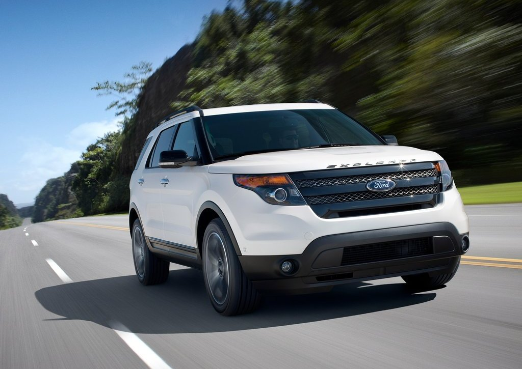 2013 Ford Explorer Sport (Photo 2 of 23)