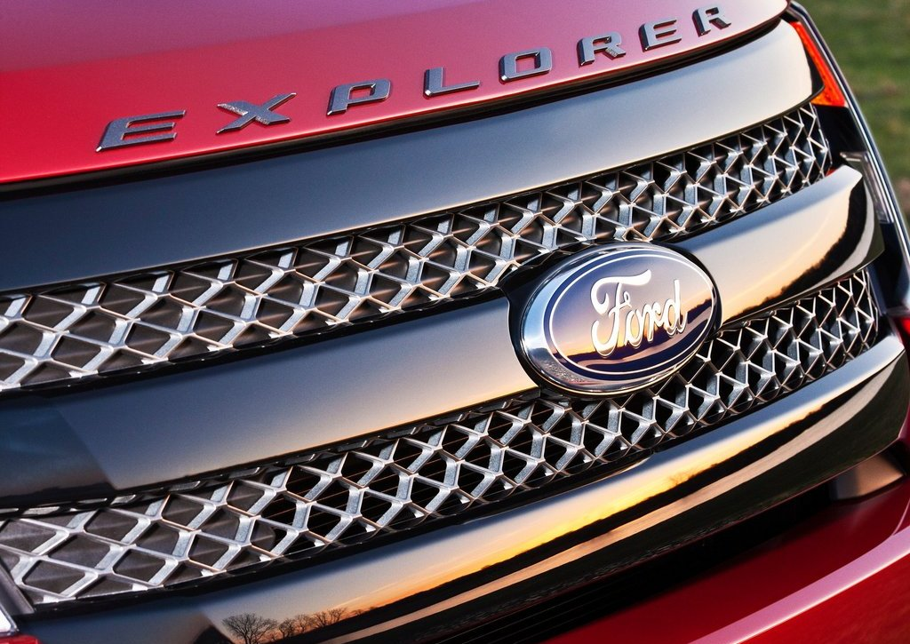 2013 Ford Explorer Sport Grill (Photo 10 of 23)