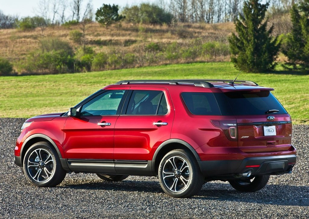 2013 Ford Explorer Sport Rear Angle (Photo 19 of 23)