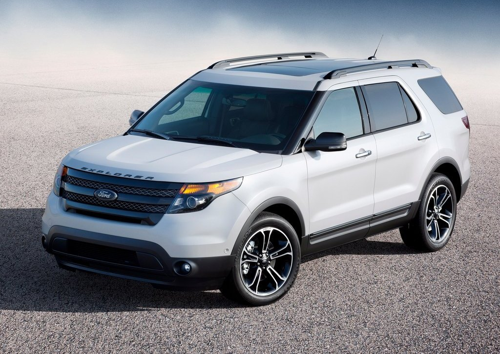 2013 Ford Explorer Sport (Photo 3 of 23)