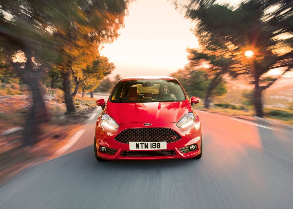 2013 Ford Fiesta ST Front (Photo 5 of 11)