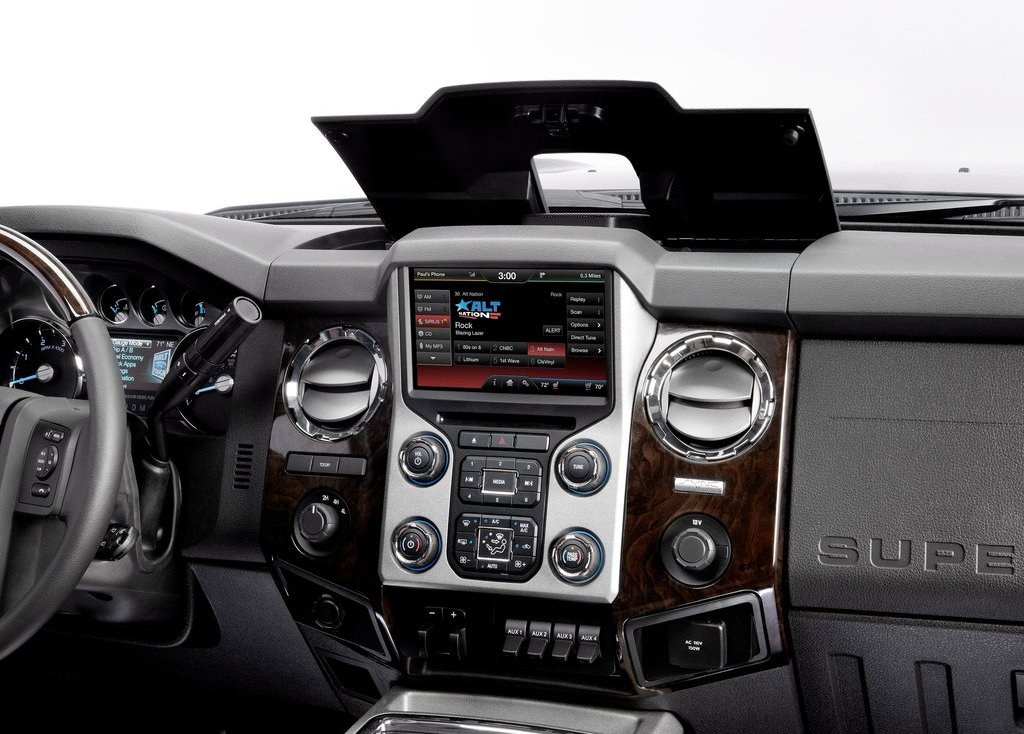 2013 Ford Super Duty Dashboard (Photo 3 of 18)