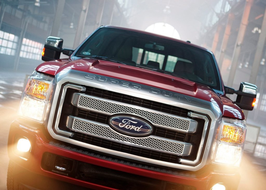 2013 Ford Super Duty Front (Photo 7 of 18)