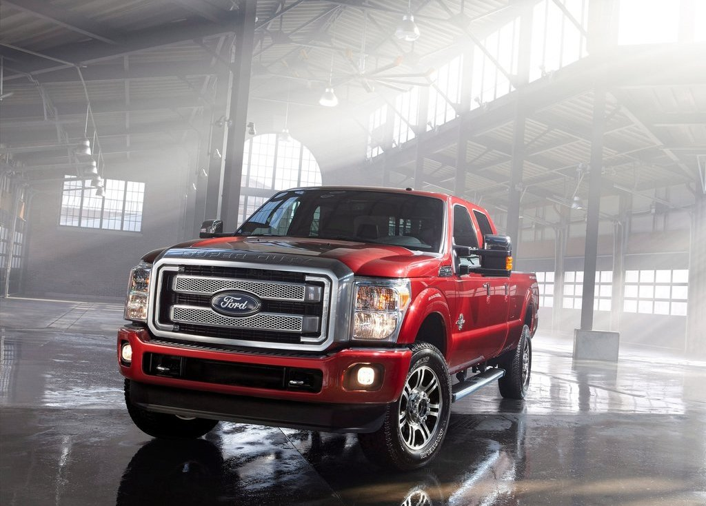 2013 Ford Super Duty Front (Photo 6 of 18)