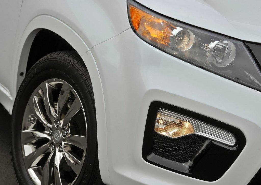 2013 Kia Sorento Head Lamp (Photo 12 of 23)