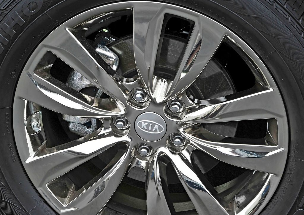 2013 Kia Sorento Wheel (Photo 23 of 23)