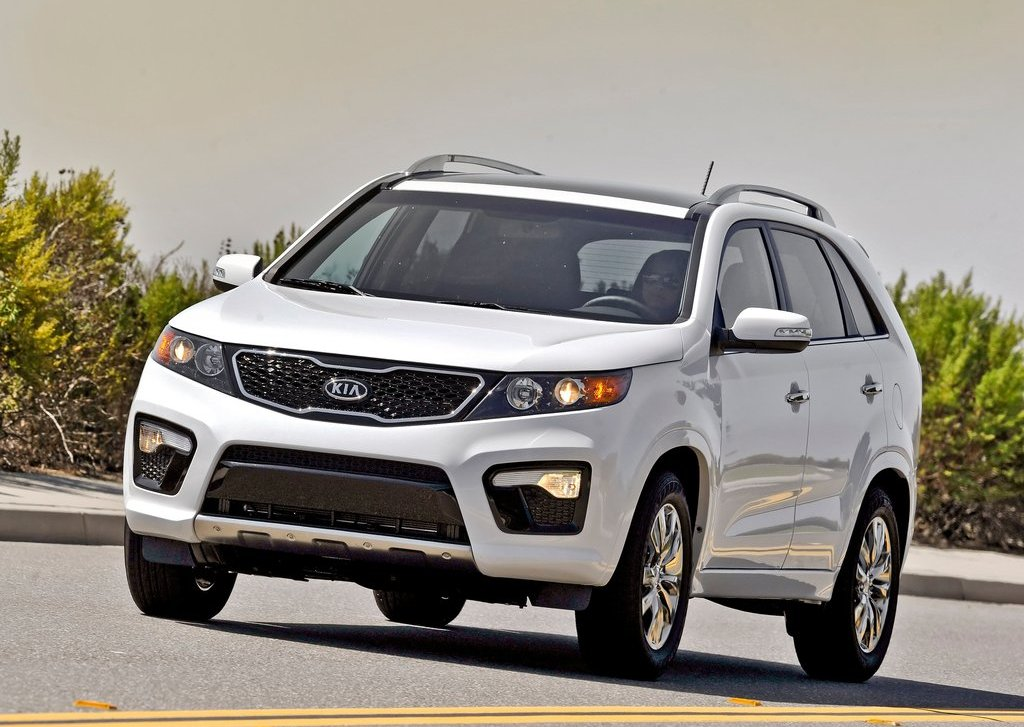 2013 Kia Sorento (Photo 2 of 23)