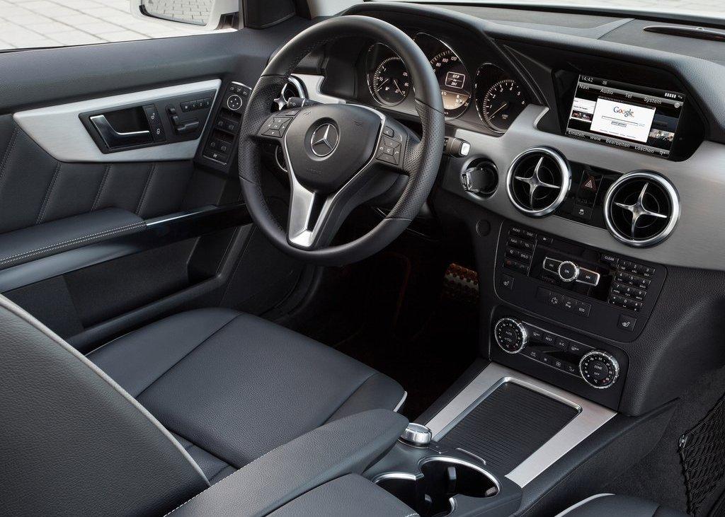 2013 Mercedes Benz GLK Class Interior (Photo 13 of 21)