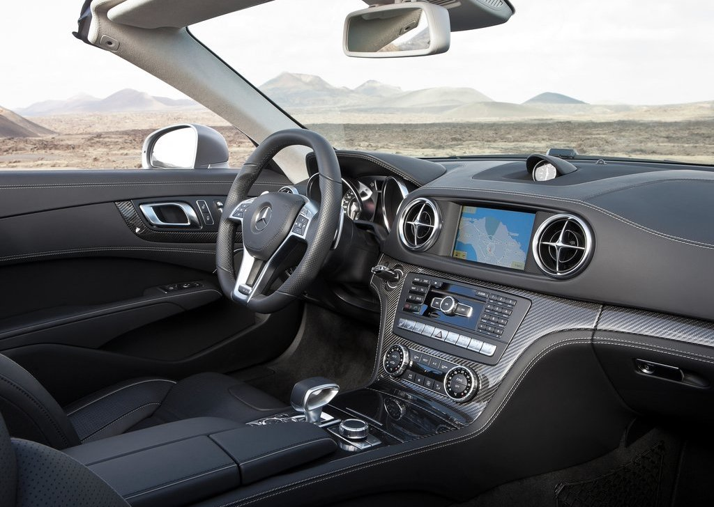 2013 Mercedes Benz SL63 AMG Interior (Photo 8 of 15)