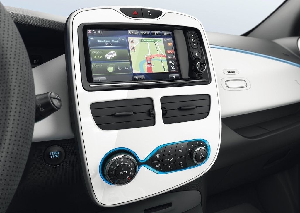 2013 Renault ZOE Dashboard (View 4 of 21)