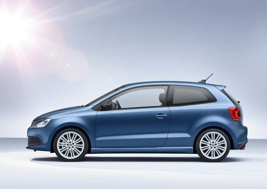 2013 Volkswagen Polo BlueGT Side (View 2 of 8)