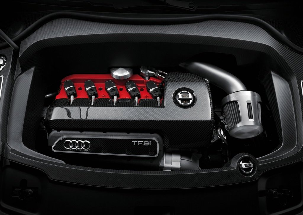2012 Audi RS Q3 Engine (Photo 4 of 14)