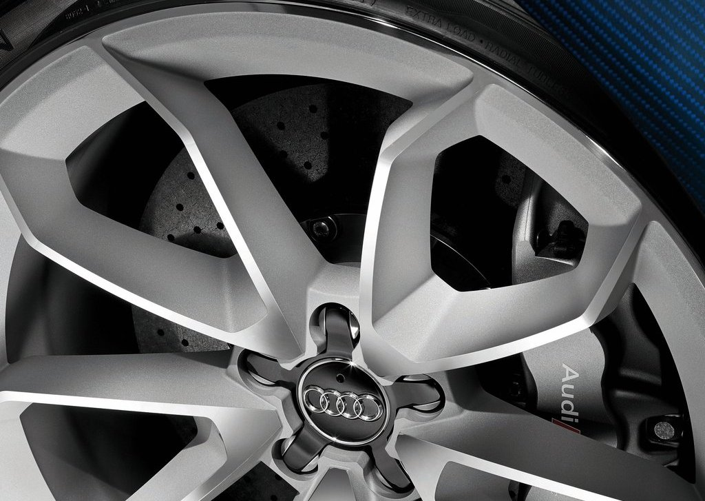 2012 Audi RS Q3 Wheels (Photo 14 of 14)
