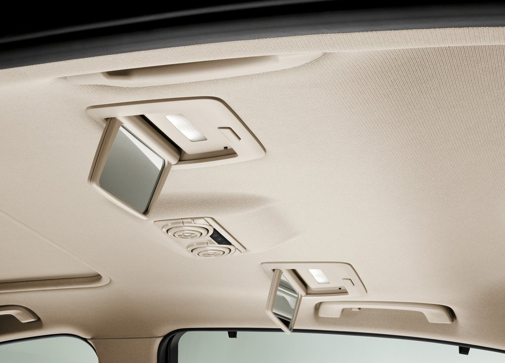 2013 BMW 3 Series Long Wheelbase Roof (View 13 of 15)