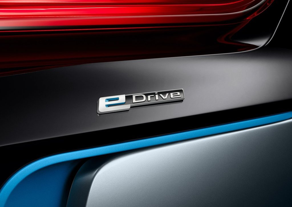 2013 BMW I8 Spyder Emblem (Photo 6 of 17)