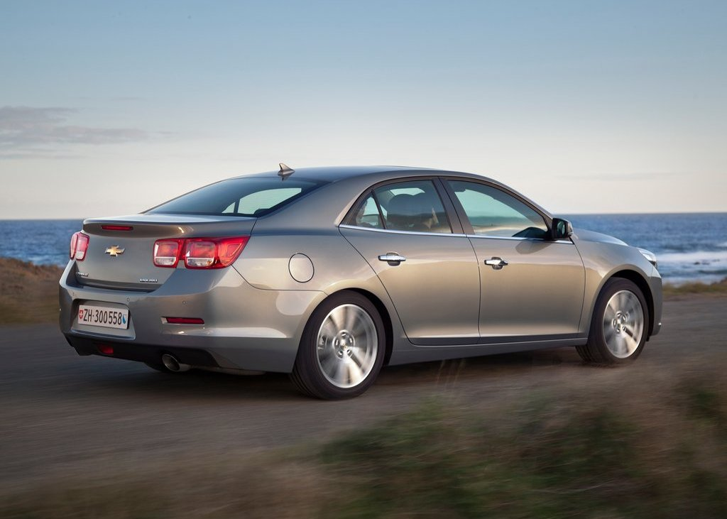 2013 Chevrolet Malibu Rear Angle (View 19 of 28)