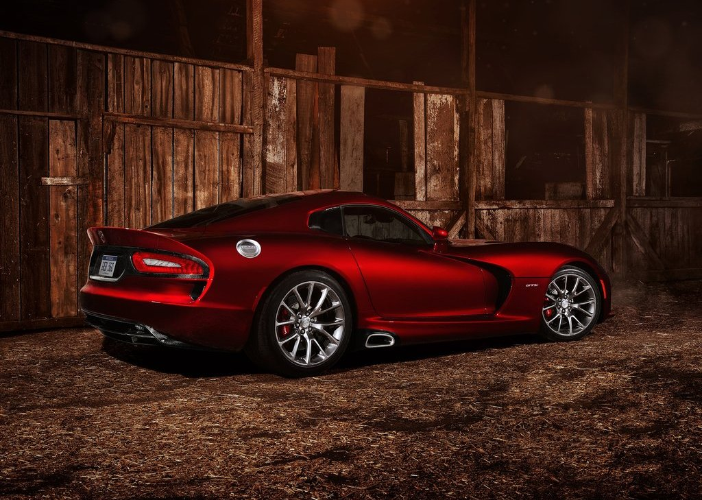 2013 Dodge SRT Viper GTS Side (Photo 15 of 18)
