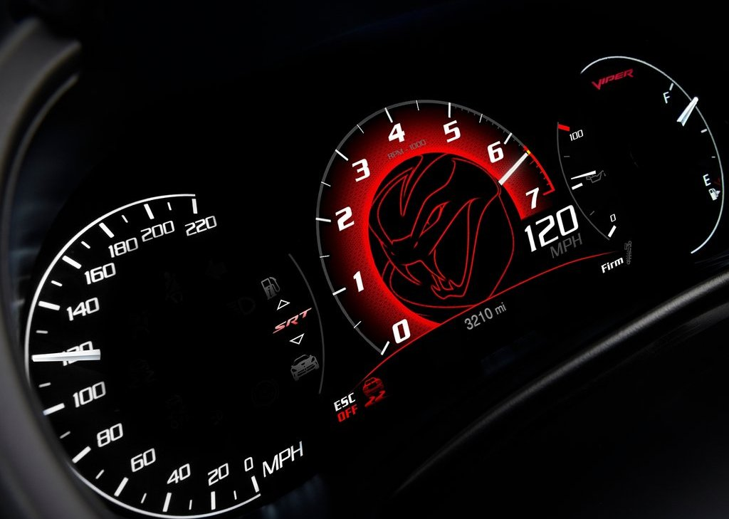 2013 Dodge SRT Viper GTS Speedometer (Photo 16 of 18)