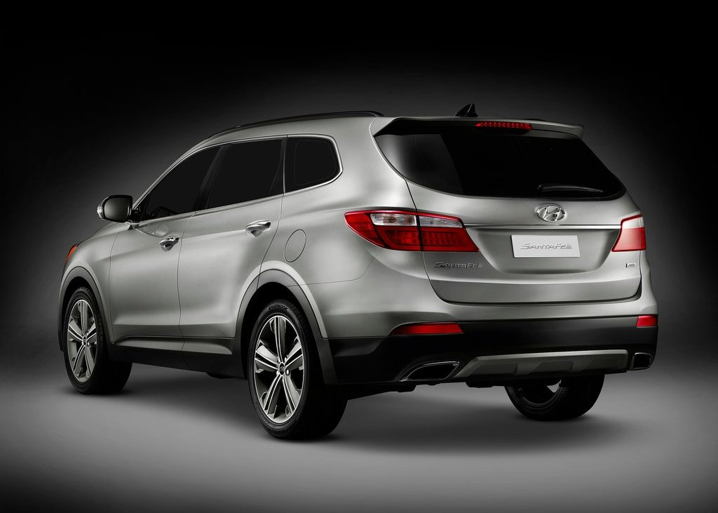 2013 Hyundai Santa Fe Rear (Photo 3 of 5)