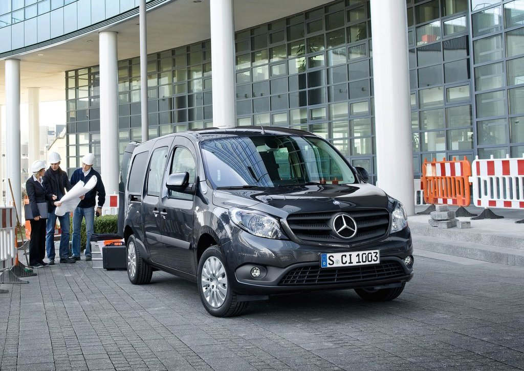 2013 Mercedes Benz Citan Front Angle (Photo 3 of 5)
