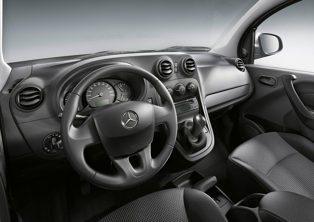 2013 Mercedes Benz Citan Interior (Photo 5 of 5)